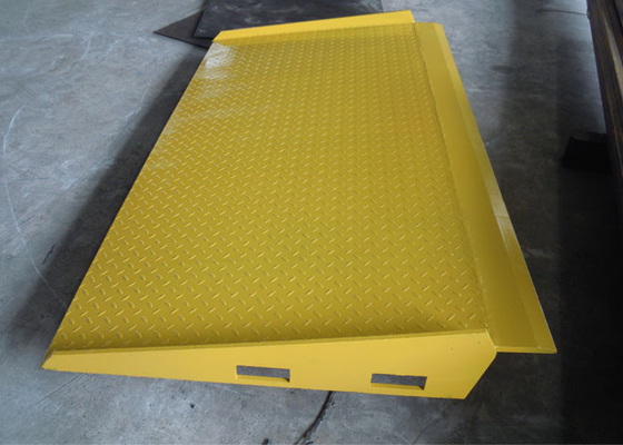 Yellow Mobile Hydraulic Loading Ramp On Ground Loading And Unloading