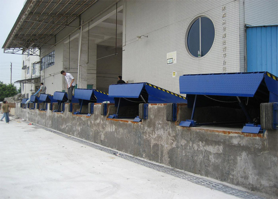 China Single Cylinder Hydraulic Dock Levelers For Sea Port Physical Distribution supplier