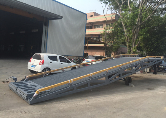 2000mm Width Container Mobile Yard Ramp 10 Ton / 15 Ton Light Grey Color