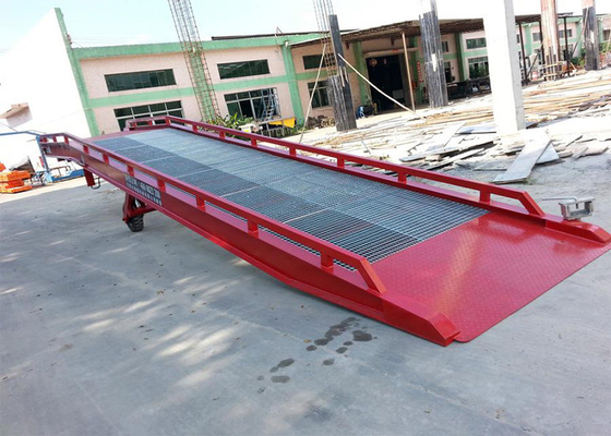 China CE Certification Steel Mobile Loading Ramps With 10 Ton Capacity distributor