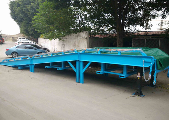 China Steel Mesh Seperated Forklift Mobile Yard Ramp , Portable Dock Ramps distributor