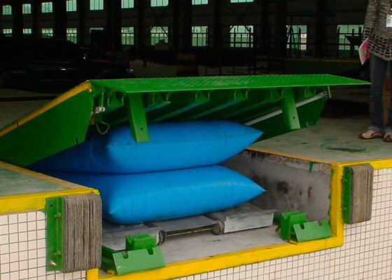 China CE Approved 10 Ton Airbag Dock Leveler For Loading / Unloading Cargo distributor
