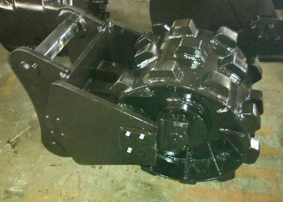 China Q345B Step Design Excavator Compaction Wheel Komatsu Excavator Parts distributor